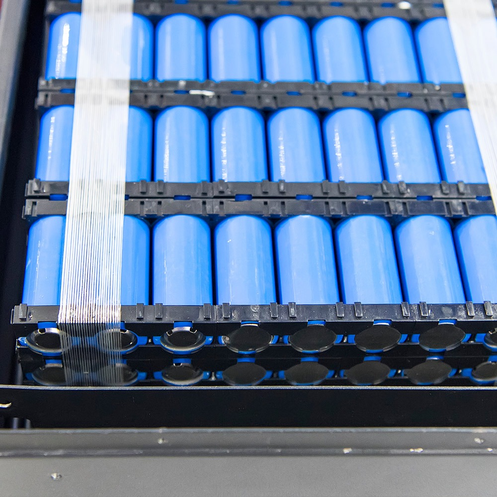 New generation lithium-ion batteries with high energy and long service life for rail industry applications