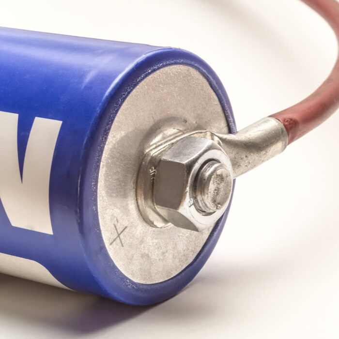 Hybrid supercapacitors with high energy and power densities for rail industry applications
